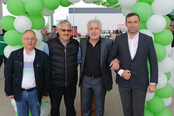 3 Mayıs 2019 Cuma günü saat 13:30 da Eski Dernek Başkanımız Orhan Yılmaz'ın petrol ofisi açılışına yönetim kurulu üyeleri olarak katıldık.